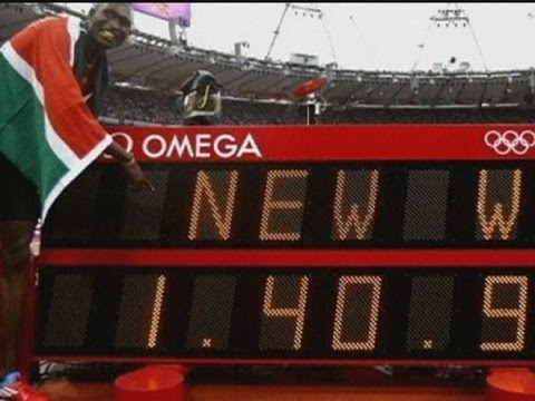 Kenya's David Rudisha sets new 800m world record at London 2012