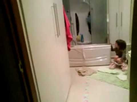 Funny Baby Peeing! (COMEDY)