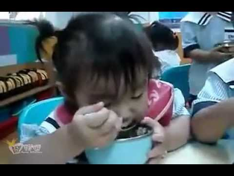 funny babies:Eat to fall asleep