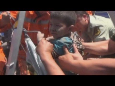 5-year-old boy rescued from15m deep well in China