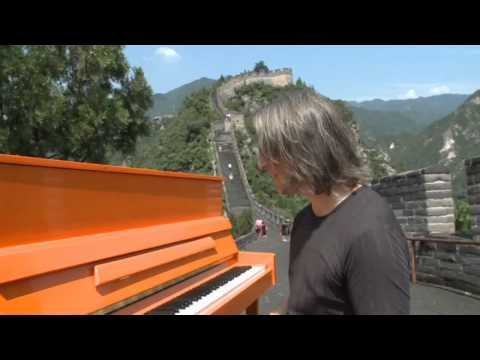 Great Wall of China: Pianist Stefan Aaron's Orange Piano Tour
