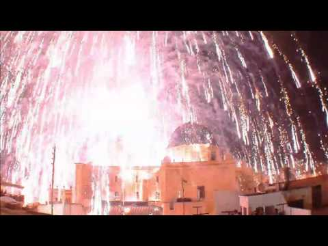 Dramatic footage: Fireworks explode in Spanish church