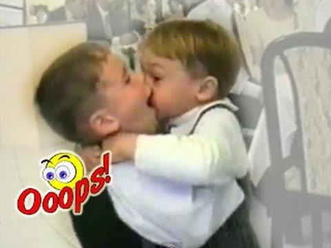 Kids Kissing NON-STOP