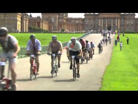 Fold-up Brompton bike championships held in Oxford