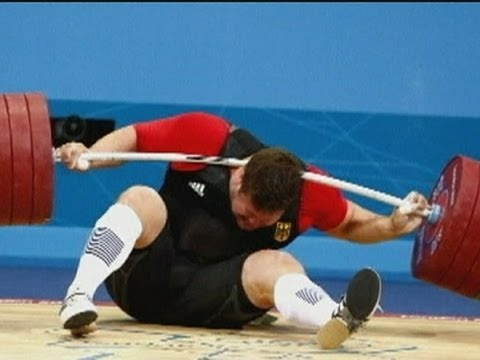Weight drop: German Matthias Steiner drops nearly 200kg on neck at Olympics 2012 weightlifting