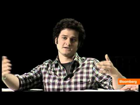 Facebook Co-Founder Moskovitz Cashes In on Shares