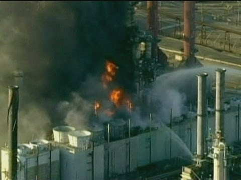 Richmond, CA: Fire ravages oil refinery near San Francisco