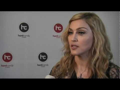 Madonna says jailing punk band Pussy Riot would be a 'tragedy'