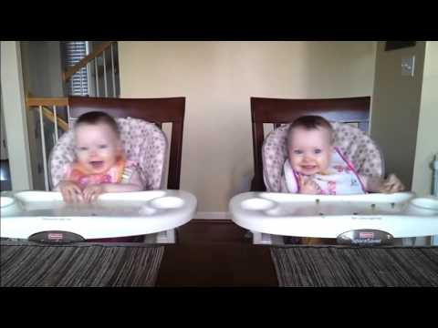 Amazing Twin Girls Dancing to Daddy's Guitar – [HD]