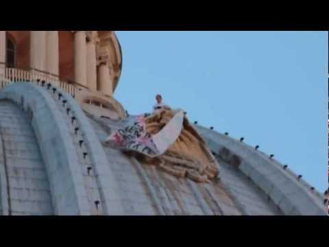 Italian man scales Vatican's St Peter's dome during protest
