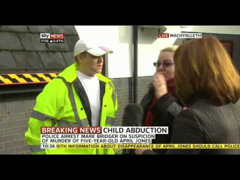 Kay Burley breaks news of April Jones' murder investigation to volunteers.. LIVE
