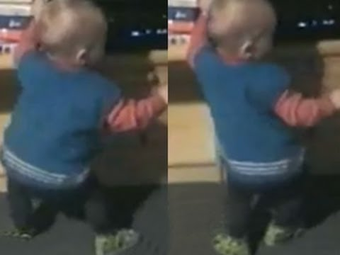 Funny Babies – Funny Babies – Funny Home Videos – Funny Baby Shakes His Booty
