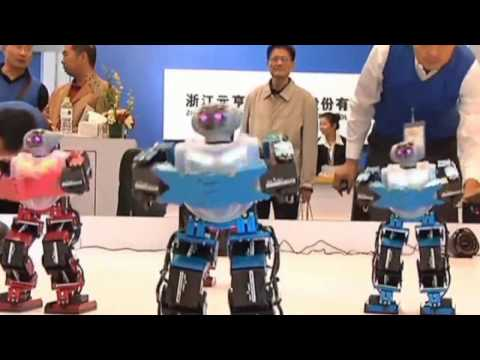 Chinese robot performs the Gangnam Style dance