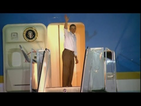 President Obama flies home early from Hawaii