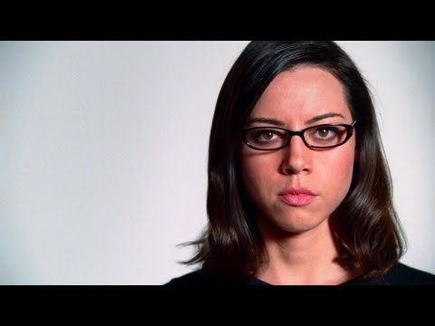 World of Warcraft TV Commercial: Aubrey Plaza – Birthday Gift